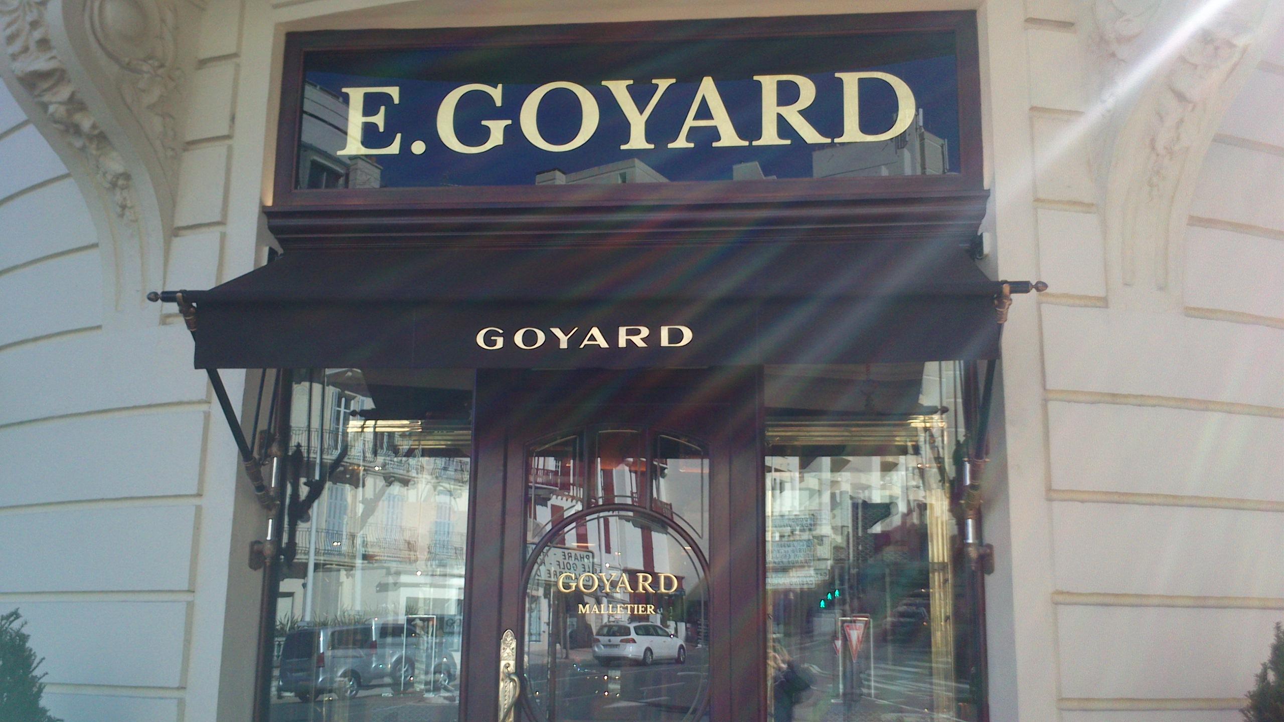 store extérieur commerçant Goyard Biarritz