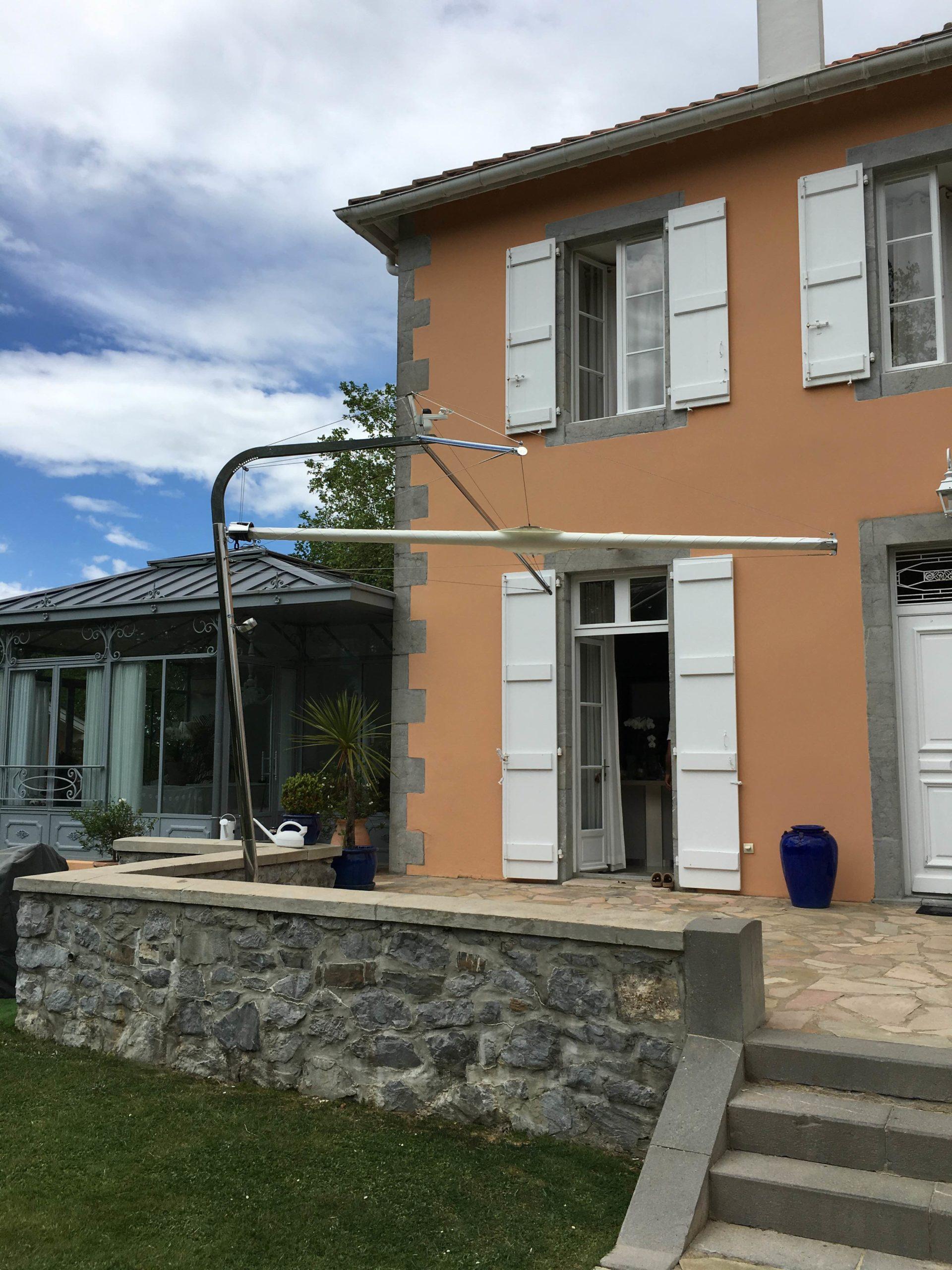 voile-ombrage-terrasse-autour-du-store-biarritz
