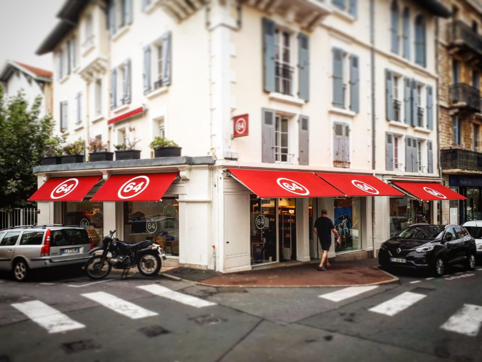 store-exterieur-boutique-64-biarritz-autour-du-store-pays-basque